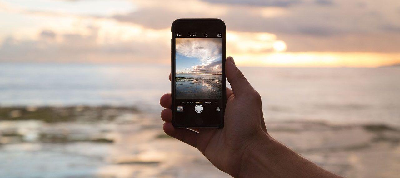 Für unvergessliche Erinnerungen: Auch Unterwegs dem dem Smartphone Akku sparen.